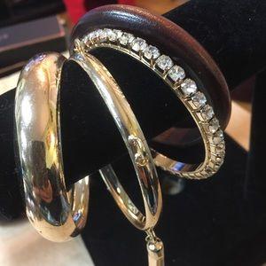 Jewelry - Bracelet bangles 4 piece